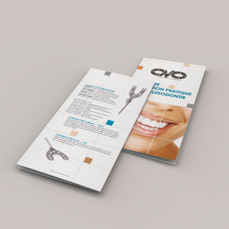 depliant-formation-continue-dentiste-4-volets-portefeuille-autograff-graphiste-freelance-toulouse-mockup-couverture