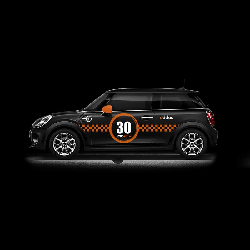 flocage-voiture-mini-course-noir-orange-autograff-graphiste-freelance-toulouse-featured